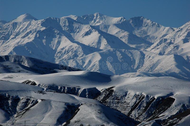 Montagnes de ciel photo stock