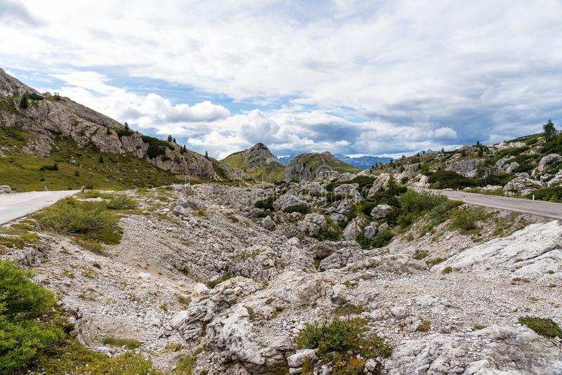 Montagnes de dolomites, Passo Valparola, Cortina d'Ampezzo, Italie images stock