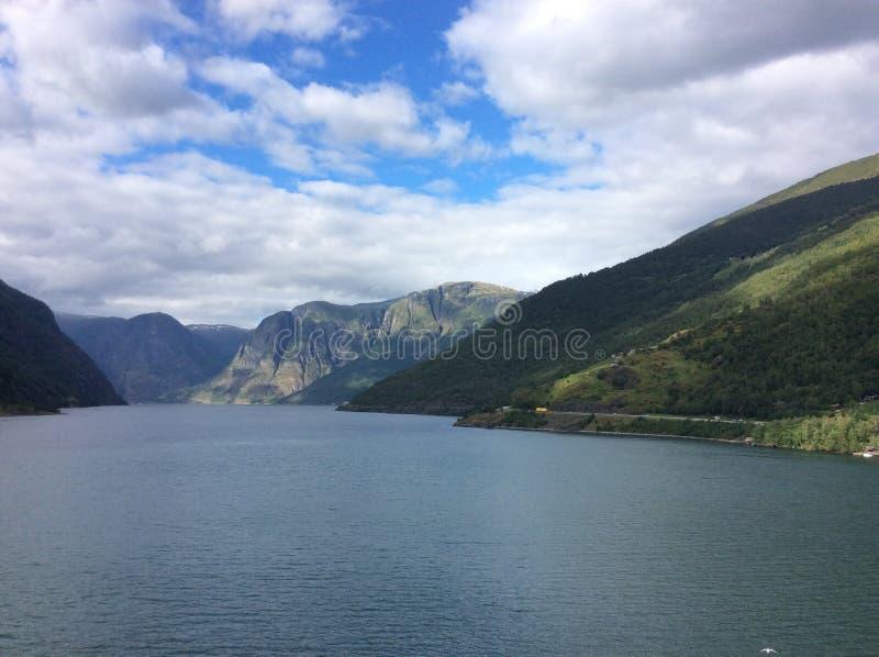 Montagnes de fjord de Nord photos libres de droits