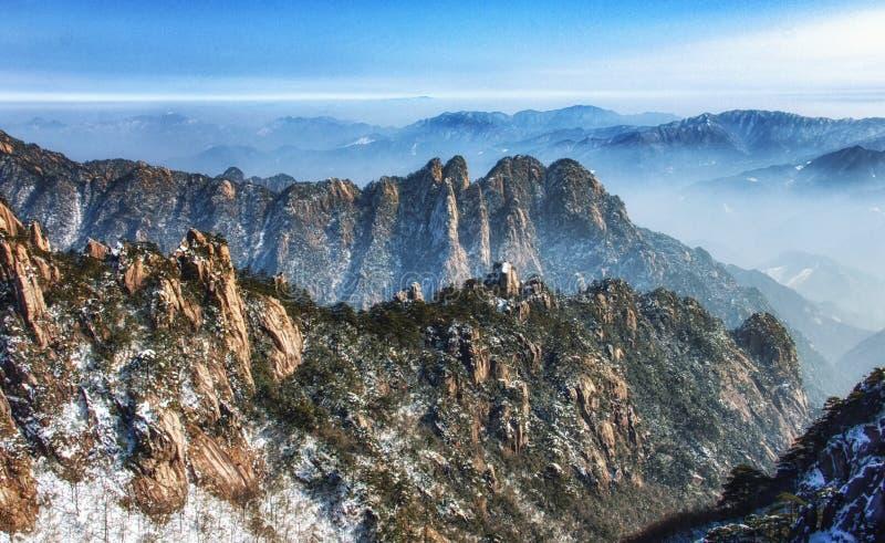 Montagnes de Huangshan ou les montagnes jaunes dans Anhui, Chine images libres de droits