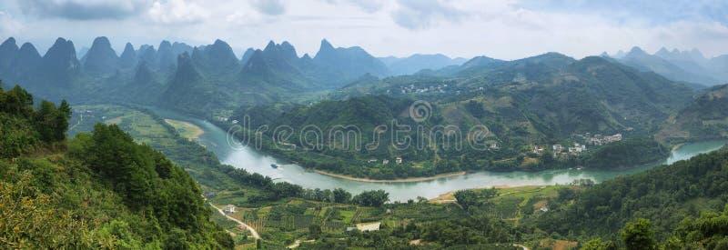 Montagnes de Karst autour de Yangshuo photographie stock libre de droits