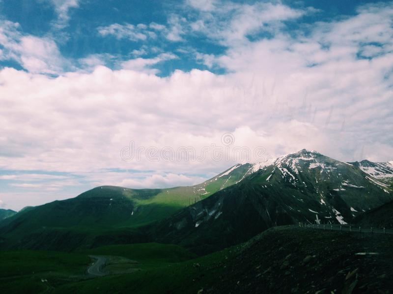 Montagnes de l'Arménie photographie stock libre de droits
