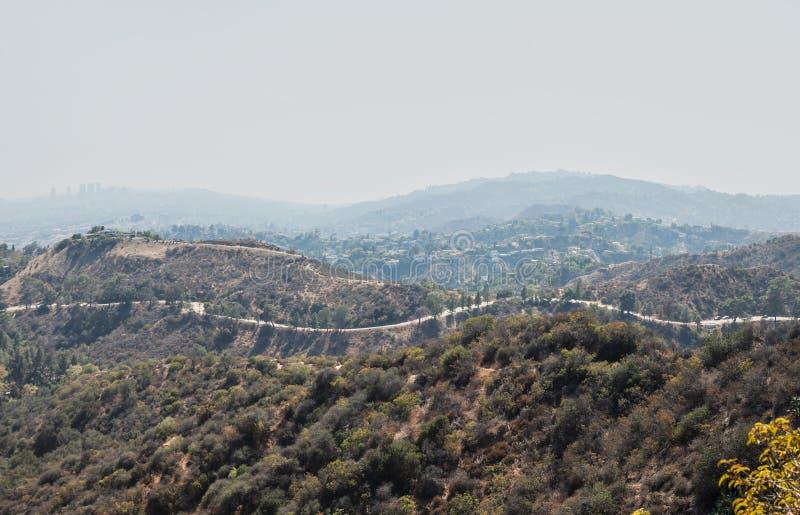 Montagnes de la Californie du sud autour de la ville photographie stock libre de droits