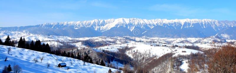 Montagnes de Piatra Craiului de Rucar-son de passage photos stock