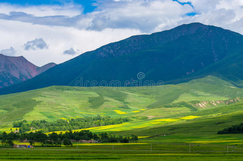 Montagnes de Qilian photo stock