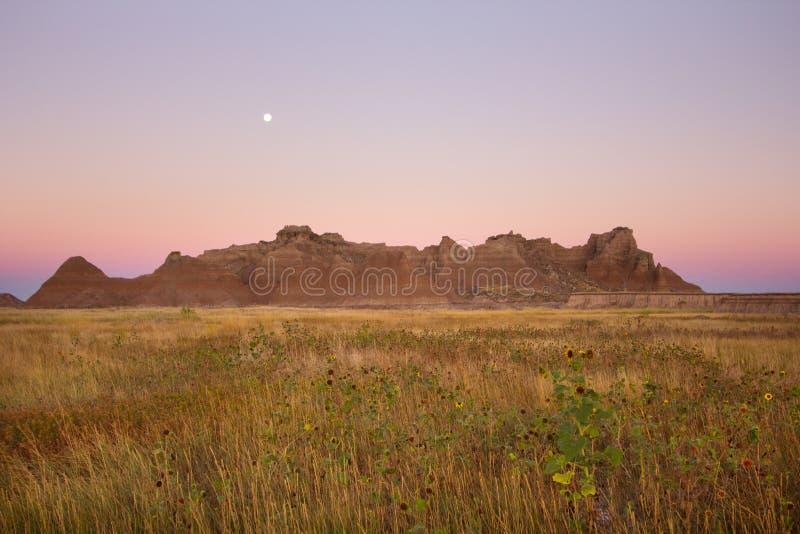 Montagnes de saleté au parc national de bad-lands dans le Dakota du Sud photo stock