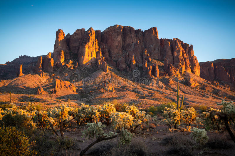Montagnes de superstition en Arizona photographie stock
