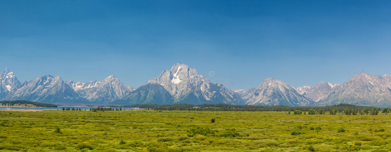 Montagnes de Teton au Wyoming, Etats-Unis - image de panorama photographie stock libre de droits