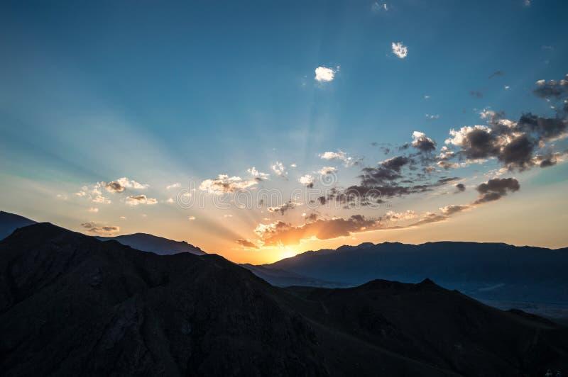 Montagnes du Kyrgyzstan illustration libre de droits