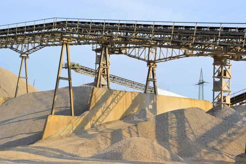 Montagnes du sable et du gravier photo stock
