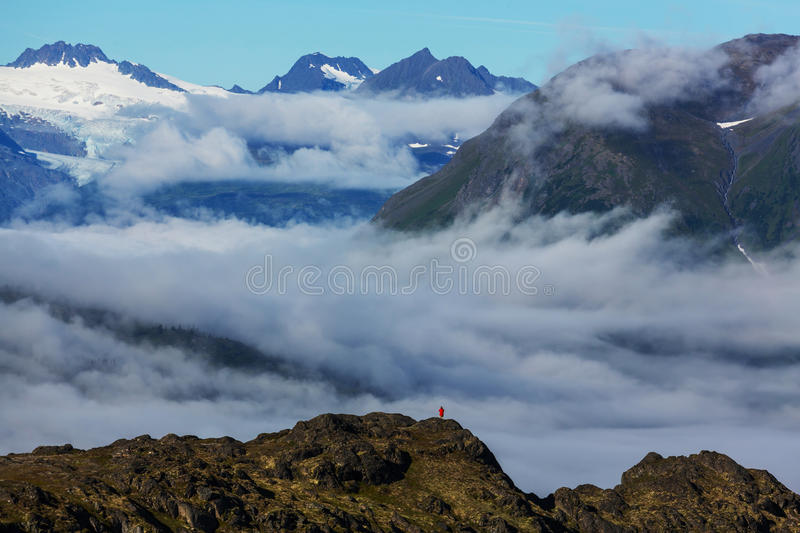 Download Montagnes en Alaska photo stock. Image du stationnement - 76076524