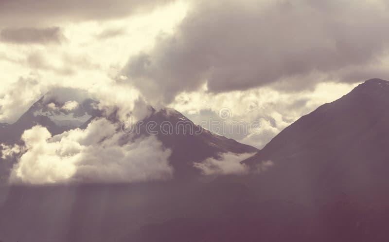 Montagnes en Alaska images libres de droits