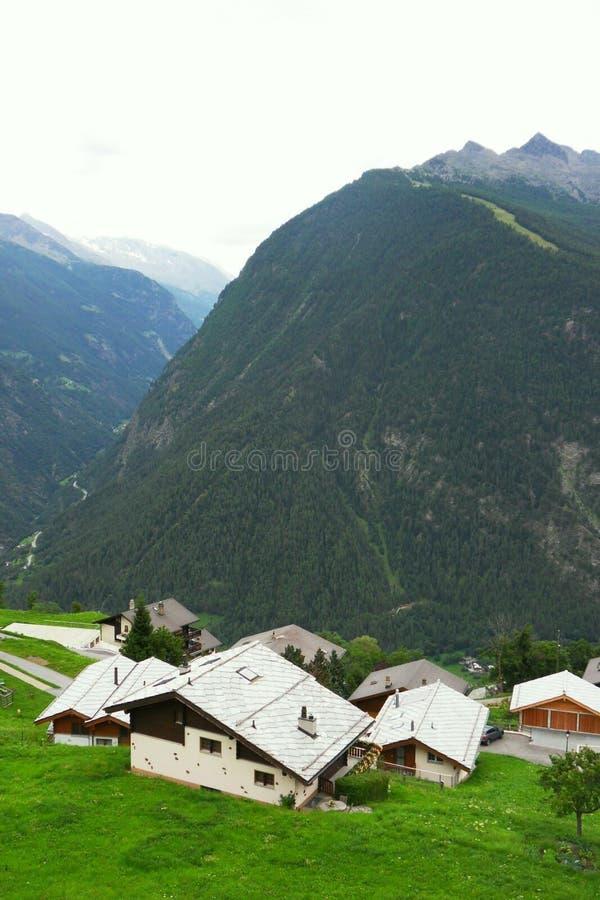 Montagnes en Suisse photo libre de droits