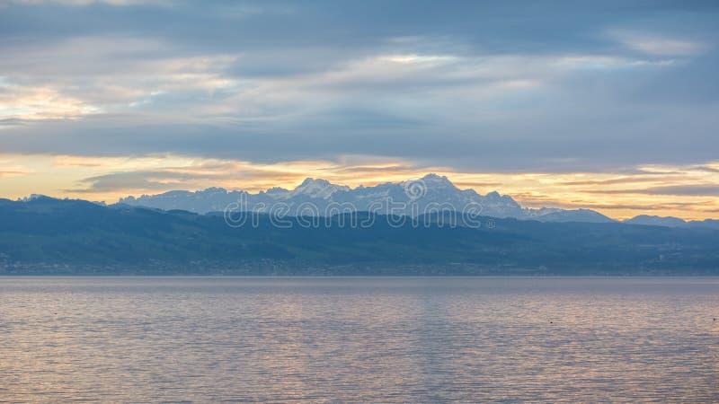 Montagnes en Suisse de Langenargen photo stock