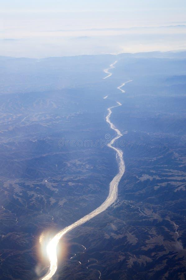 Montagnes et fleuves images libres de droits
