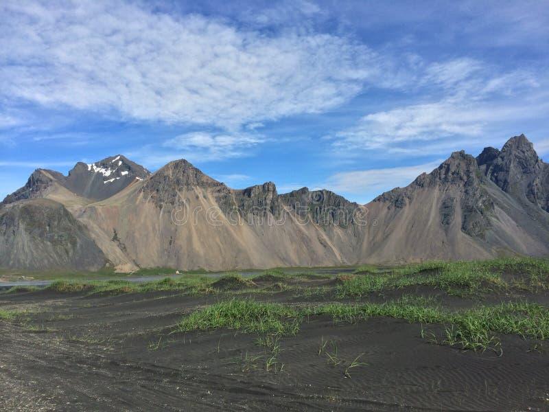 Montagnes islandaises de paysage de photo libre de droits