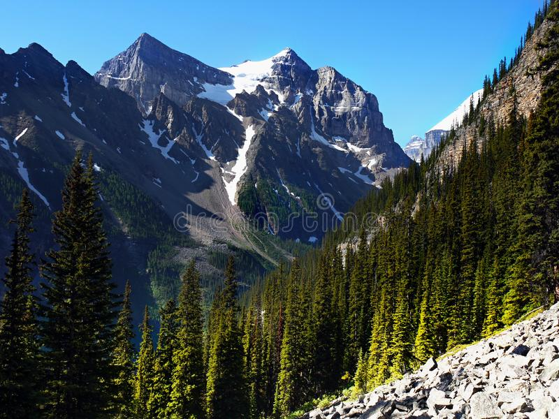 Montagnes Lake Louise, Banff NP, Alberta, Canada photos stock