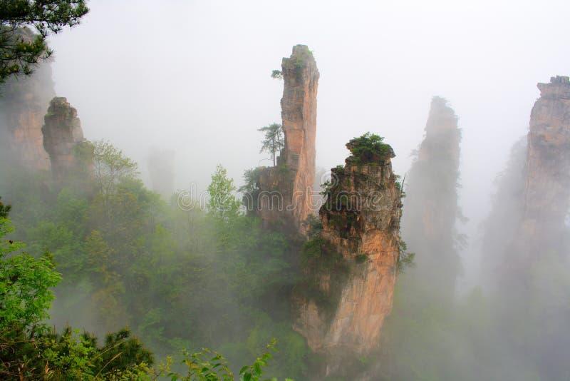 Montagnes mystérieuses Zhangjiajie. photographie stock libre de droits