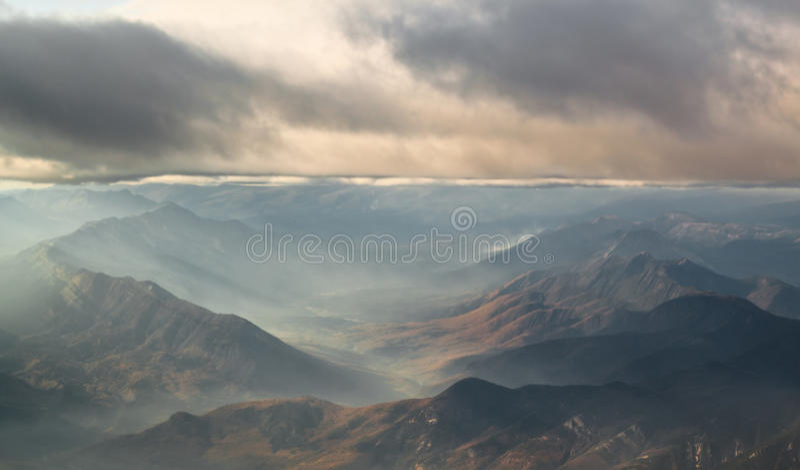 Montagnes obscurcies photo stock