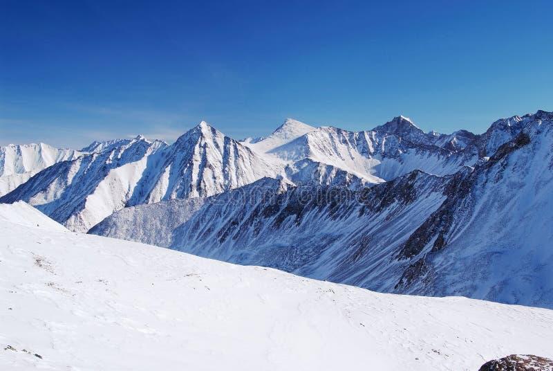 Montagnes orientales de Sayan. Altai. images libres de droits
