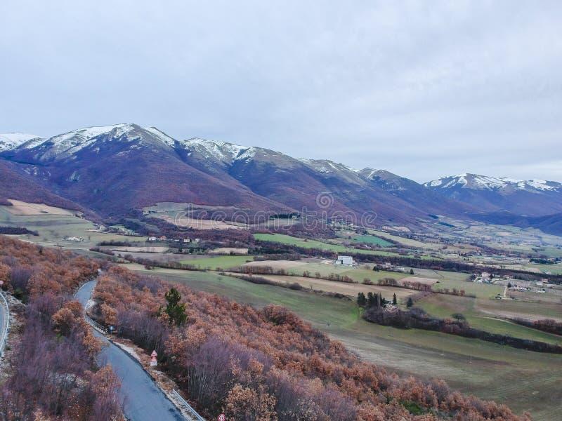 Montagnes près de Norcia, Ombrie, Italie photographie stock libre de droits