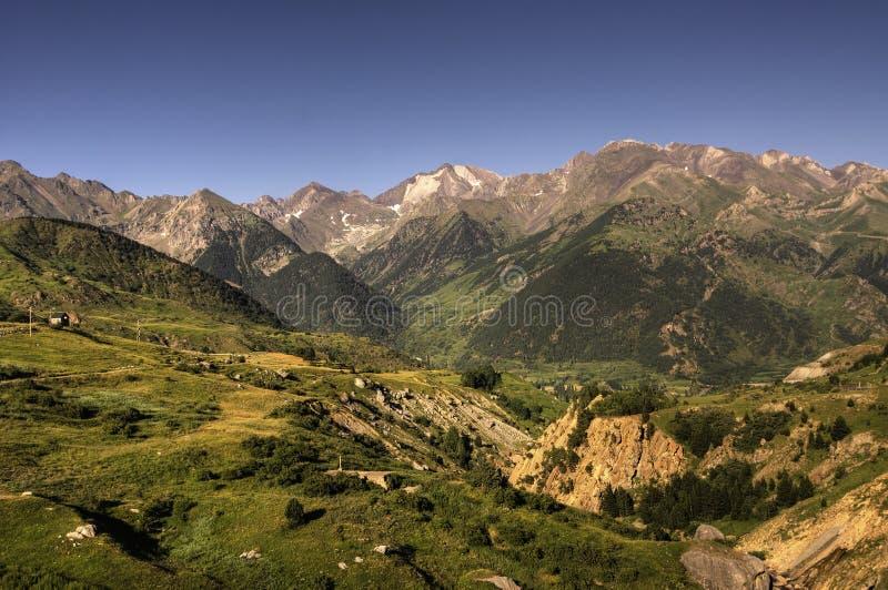 montagnes Pyrénées images stock