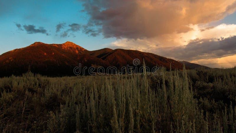 Montagnes rouges de roche photo stock