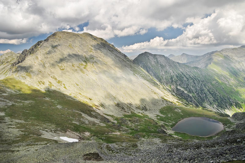 Montagnes roumaines image libre de droits