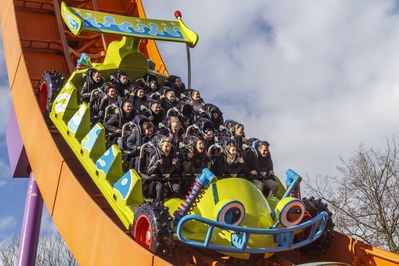 Montagnes russes de coureur de Rc chez Disneyland Paris image libre de droits