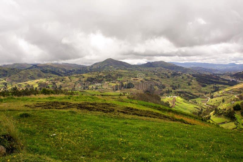 Montagnes scéniques des Andes en Amérique du Sud image libre de droits
