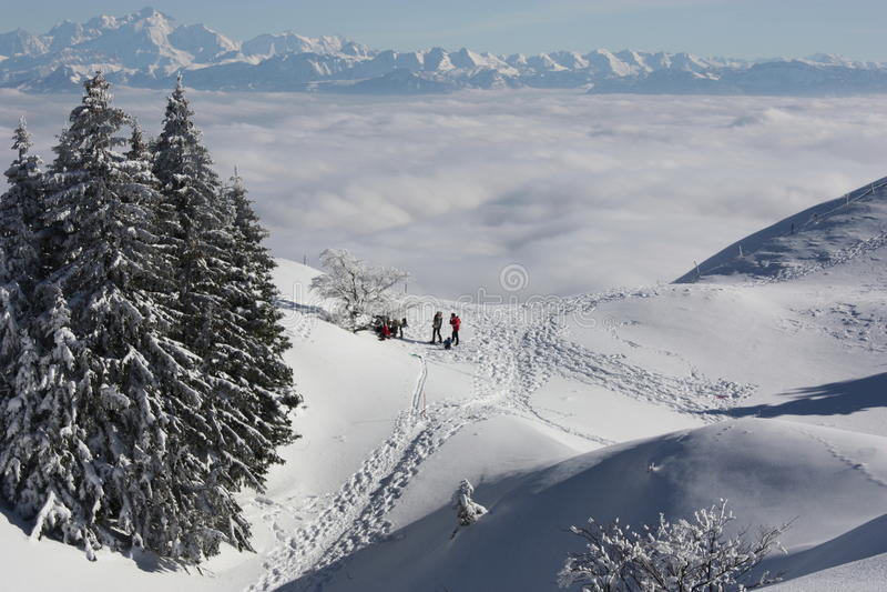 montains χιονώδης στοκ εικόνες με δικαίωμα ελεύθερης χρήσης