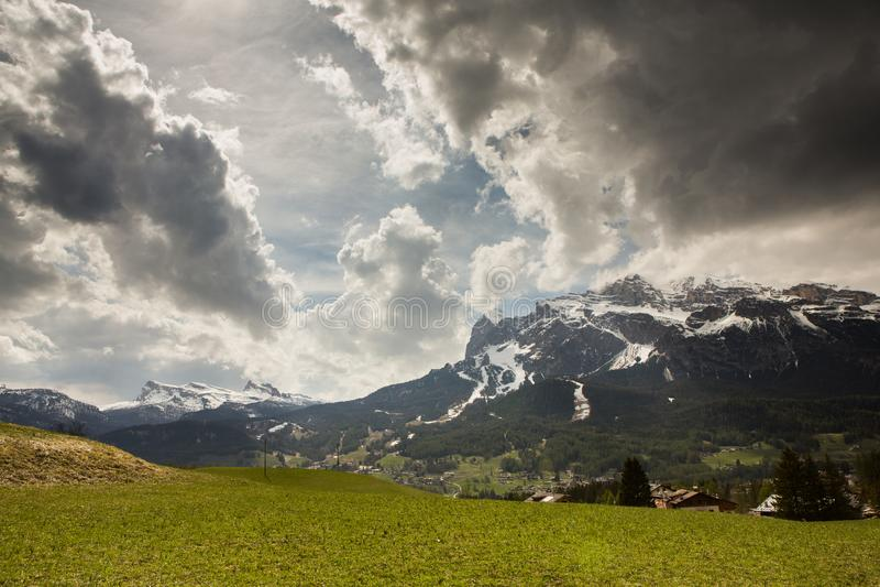 Montains de Dolomiti en Italie Paysage au printemps en Europe images stock