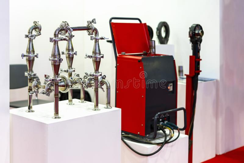 Montaje de sistema inoxidable de la conexión de tubo soldando con autógena el proceso común rápido de la unión apropiada etc para foto de archivo