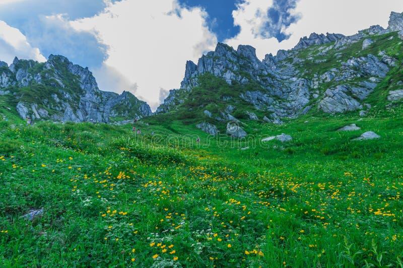 montaje Kiso-Komagatake, montañas centrales, Nakano, Japón foto de archivo