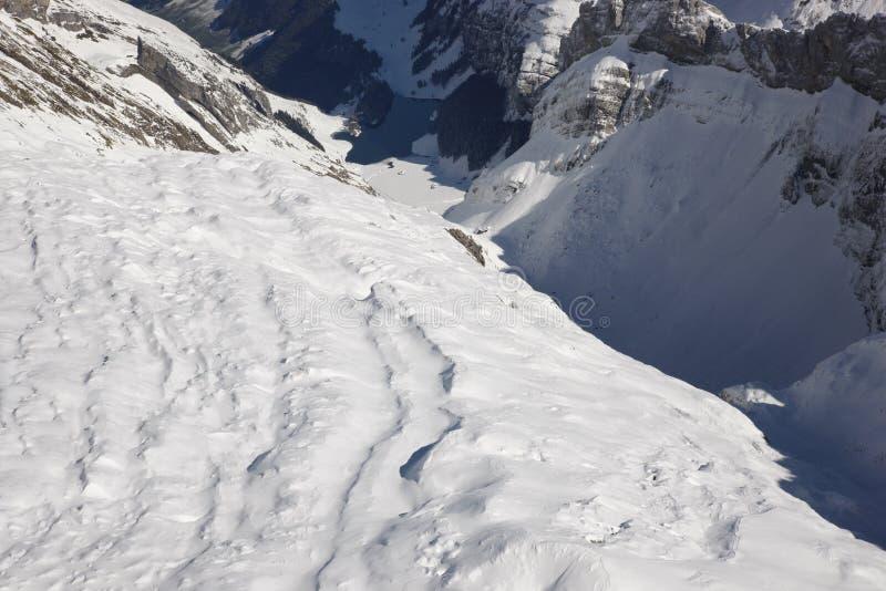 Montan@as del suizo de la visión aérea fotos de archivo libres de regalías
