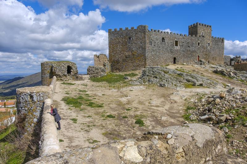 Montanchez,埃斯特雷马杜拉,西班牙古老城堡的遗骸  库存图片