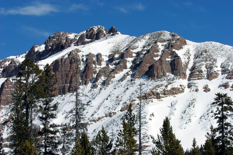 Download Montanha foto de stock. Imagem de azul, nave, férias, escalar - 526596