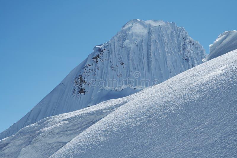 Montanha Alpamayo_1 imagem de stock