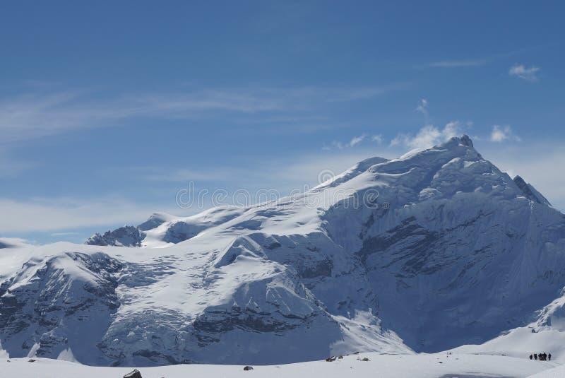 Montanha coberto de neve Nepal fotografia de stock royalty free