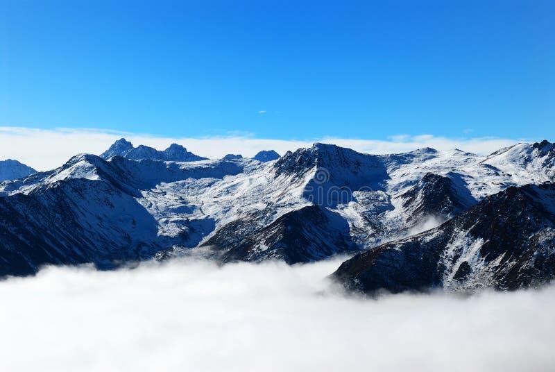 Montanha da neve na província de Sichuan fotografia de stock