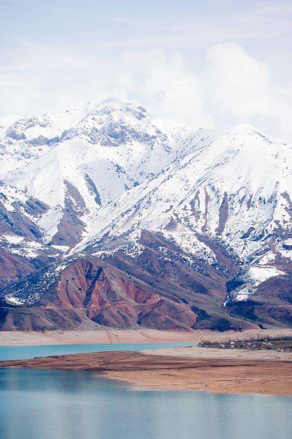 Montanha da neve, Tashkent, Uzbekistan foto de stock