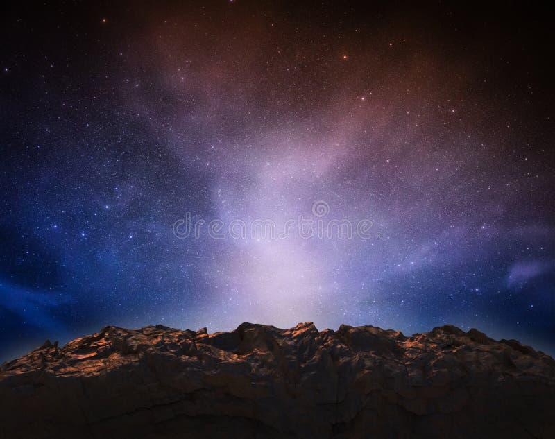 Montanha da rocha no espaço imagem de stock royalty free