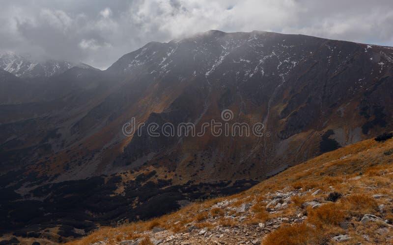 Montanha de Banikov em Eslováquia foto de stock royalty free