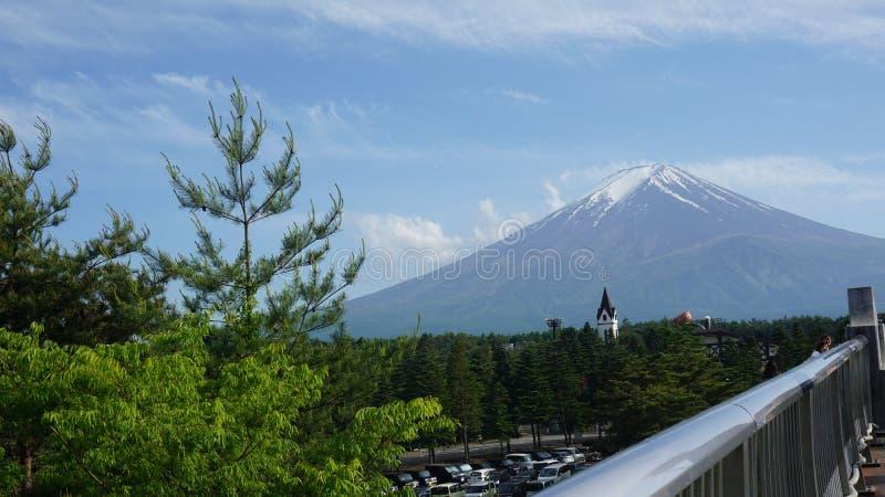 Montanha de Fuji com tampão branco fotos de stock