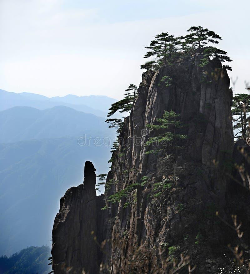 Download Chinês de Huangshan foto de stock. Imagem de paisagem - 29828454