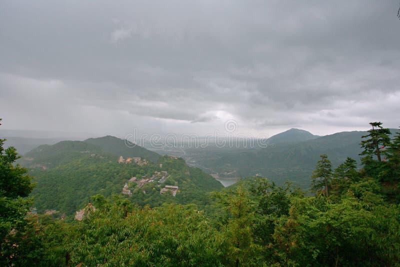 Montanha de Kongtong imagem de stock royalty free