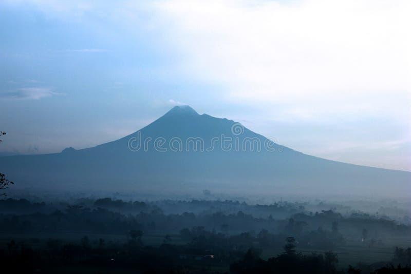 Montanha de Merapi imagens de stock royalty free
