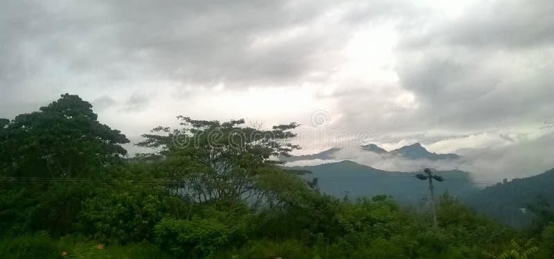 Montanha de Namunukula em Sri Lanka fotografia de stock