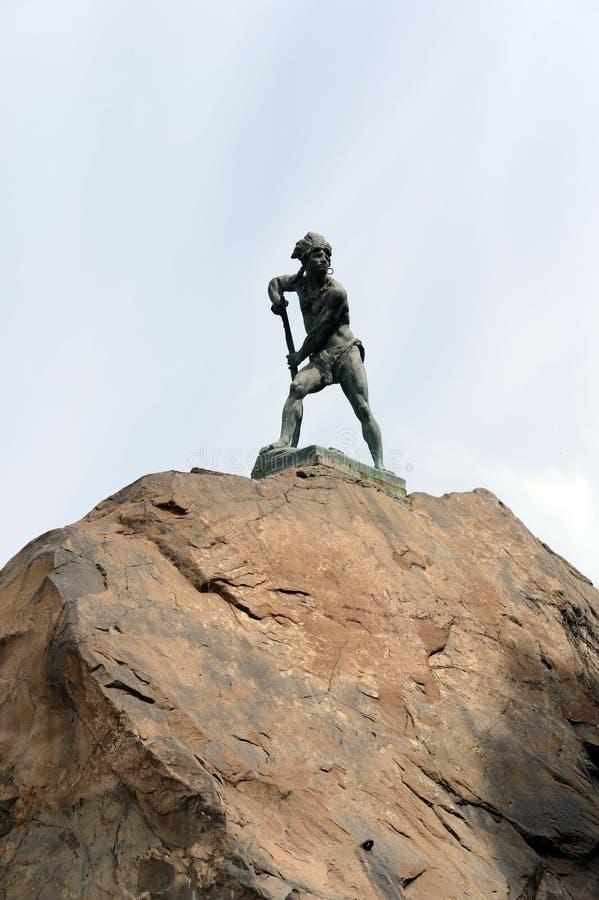 A montanha de Santa Lucia no Santiago do centro No pé deste conquistador da montanha Pedro de Valdivia fundou a cidade fotos de stock royalty free