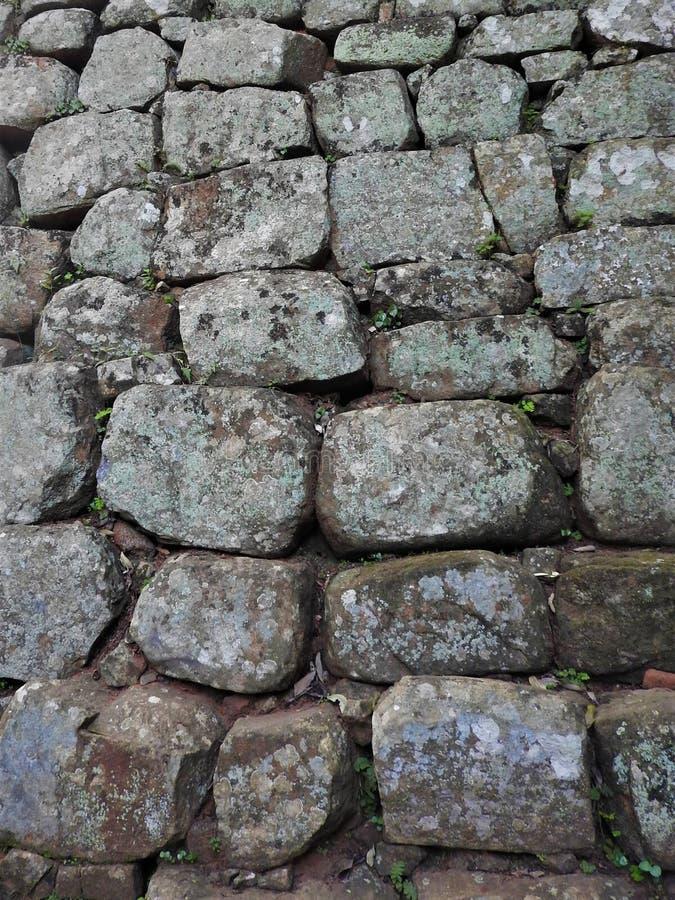 Montanha de Sigiriya, foto da parede de tijolo próximo, fundo, textura imagens de stock royalty free